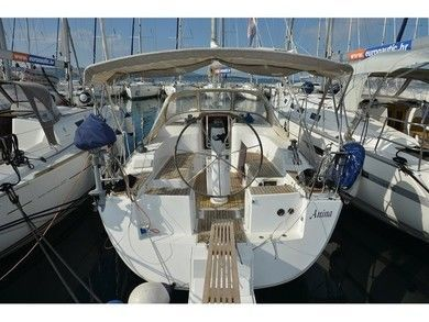 Charter sailboat Hanse 320 in Biograd - Zadar